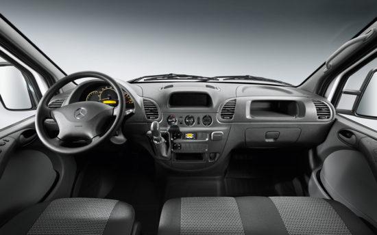 передняя панель и центральная консоль Mercedes-Benz Sprinter Bus Classic