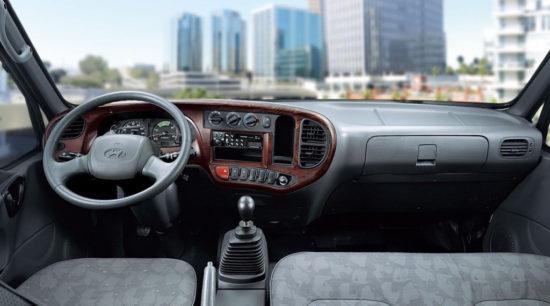 интерьер кабины Hyundai HD72