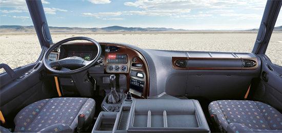 интерьер кабины Hyundai HD270