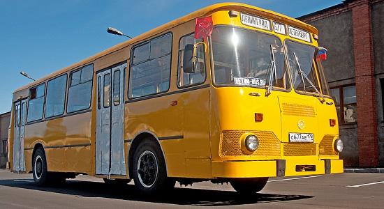 ЛиАЗ-677 на IronHorse.ru ©