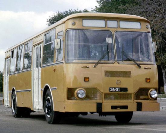 ЛиАЗ 677М
