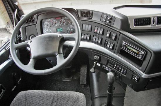 интерьер салона кабины обновленного МАЗа 5440