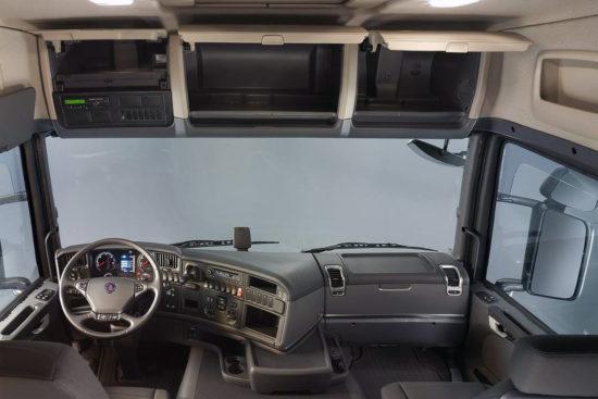в кабине Scania R440 LA4x2HNA
