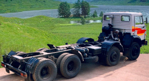 КамАЗ-6540 шасси (дореформенное) на IronHorse.ru ©