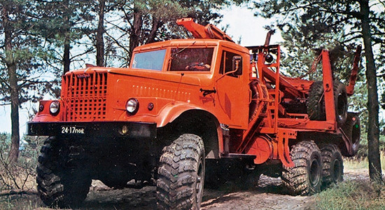 КрАЗ-255Л (лесовоз) на IronHorse.ru ©