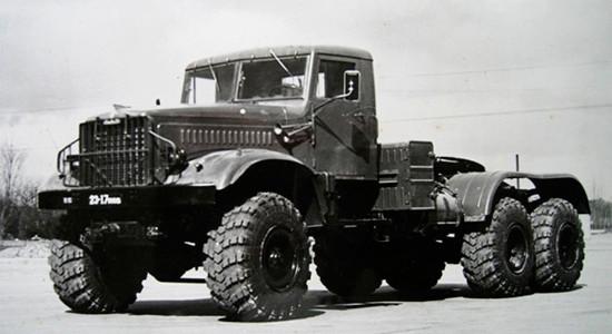КрАЗ-255В (седельный тягач) на IronHorse.ru ©