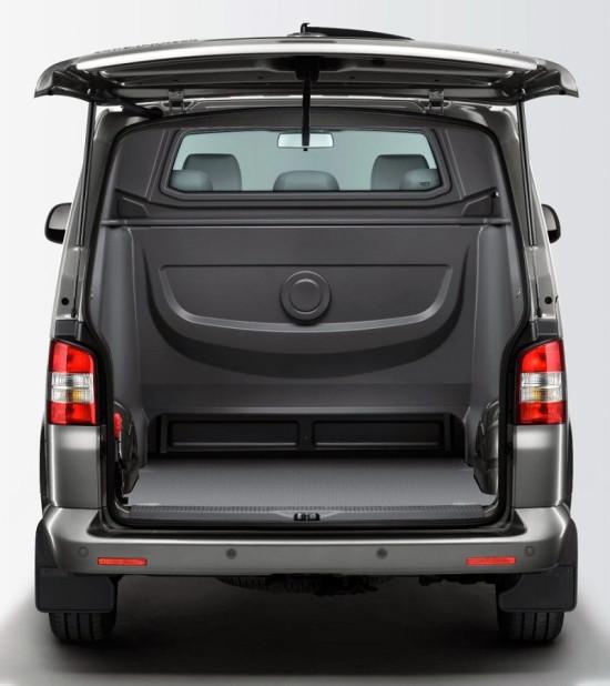 грузовое отделение Volkswagen Transporter Kombi Doka Plus T5