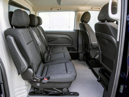 в салоне грузопассажирского Mercedes-Benz Vito Mixto (W447)