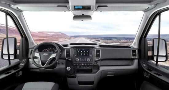 интерьер кабины грузовика Hyundai H350