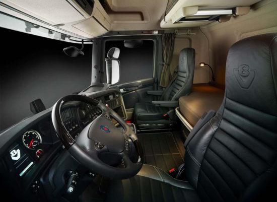 интерьер кабины Scania R730 V8 6x4
