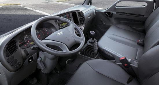 интерьер кабины Hyundai HD35