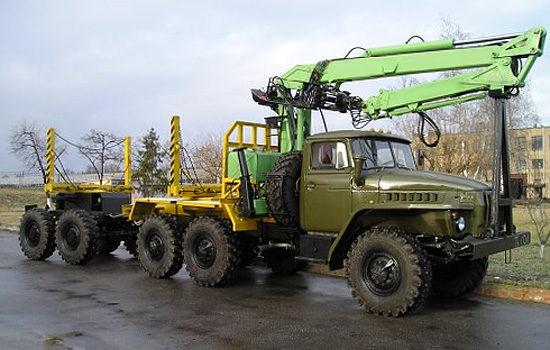 Урал-4320 (лесовоз с манипулятором)