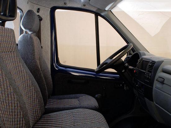 в кабине грузовика Соболь ГАЗ-2310