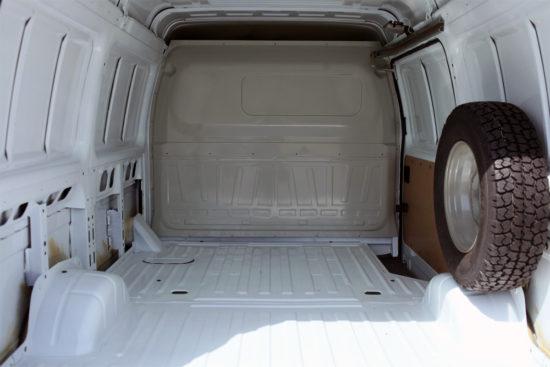 грузовой отсек фургона Соболь-Бизнес ГАЗ-2752