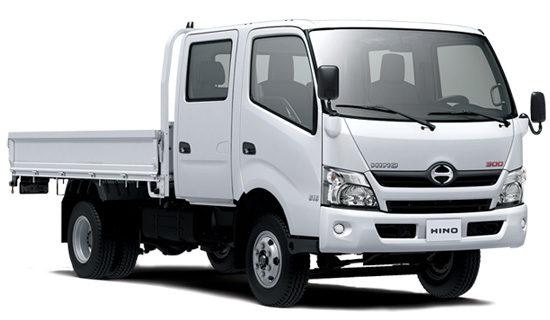 HINO 300 7.5 т с двухрядной кабиной