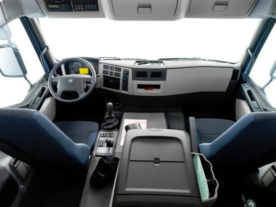 интерьер кабины Volvo FE 1-го поколения