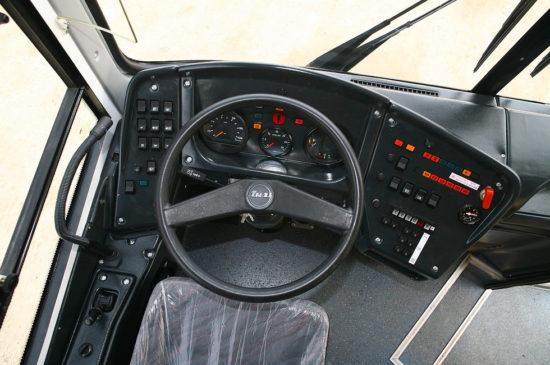 место водителя ЛиАЗ-5293