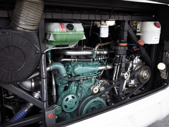 моторный отсек Volvo 9500