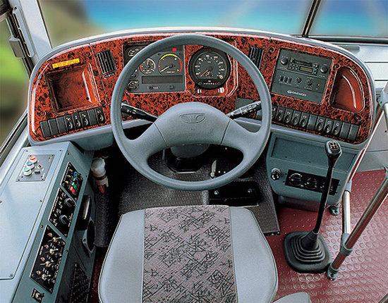 место водителя Daewoo BH117 Royal Cruistar II