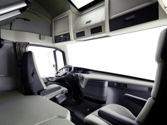 интерьер кабины Volvo FH16 3-го поколения