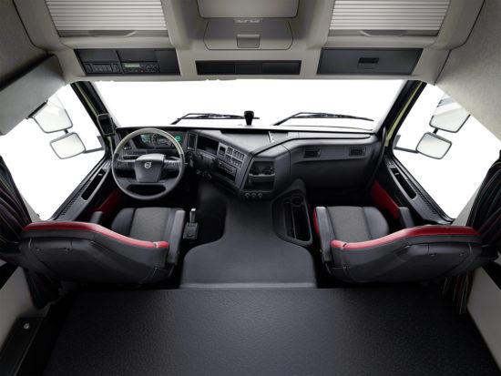 интерьер кабины Volvo FMX 2-го поколения