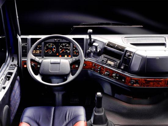 интерьер кабины Volvo FH 1-го поколения