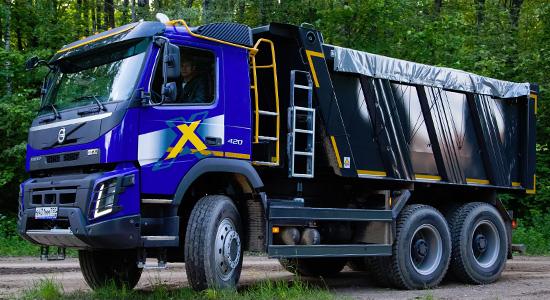 Volvo FMX 6x6 (самосвал) на IronHorse.ru ©