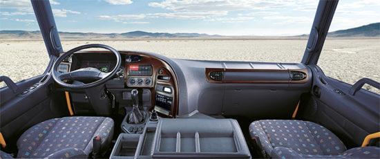 интерьер кабины Hyundai HD170