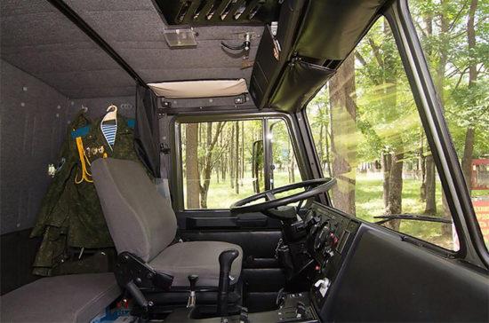 в кабине МАЗ-5316