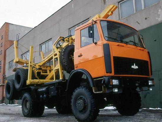 лесовоз МАЗ-5340В2