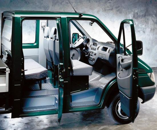 в салоне Mercedes-Benz Sprinter 1 Chassis (W901-905)