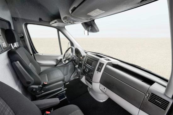 в кабине Mercedes-Benz Sprinter 2 Van (W906)