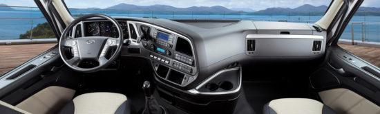 интерьер Hyundai Xcient