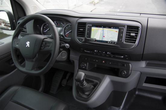 интерьер салона Peugeot Expert 3 Van