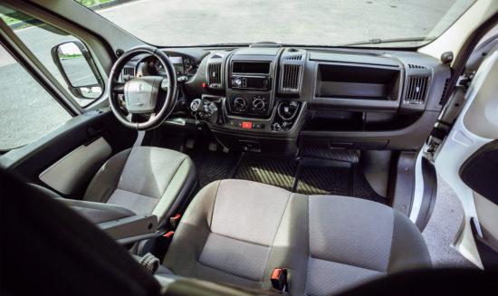 интерьер Peugeot Boxer Minibus 2-го поколения