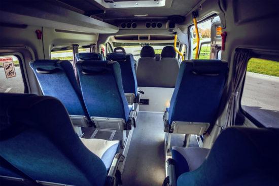в салоне Peugeot Boxer Minibus 2-го поколения