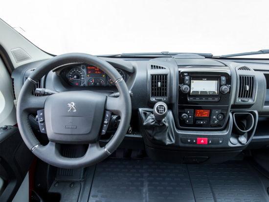 интерьер салона Peugeot Boxer 3 Van