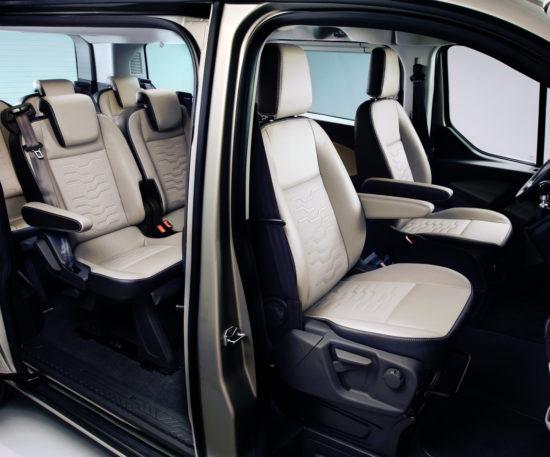 интерьер салона Ford Tourneo Custom