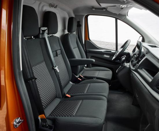 интерьер салона Ford Transit Custom