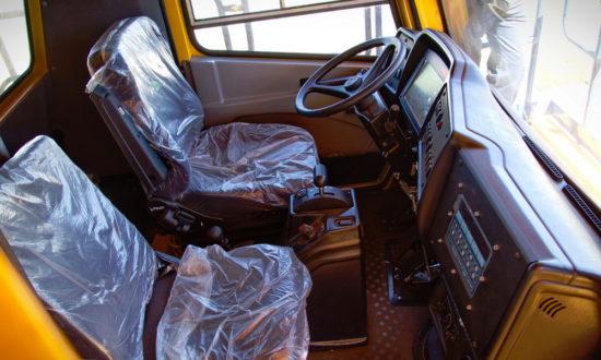 интерьер кабины БелАЗ-75320